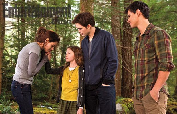 Bella, renesmee, Edward, Jacob on set in Twilight Breaking Dawn part 2