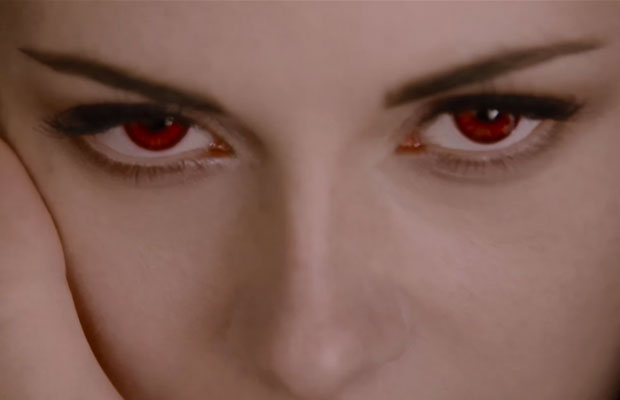 Bella Swan's red Vampire eyes in Twilight Breaking Dawn Pt 2