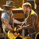 Johnny Depp and The Black Keys performing together at the 2012 MTV Movie Awards