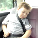 kid-sleepingin-a-car