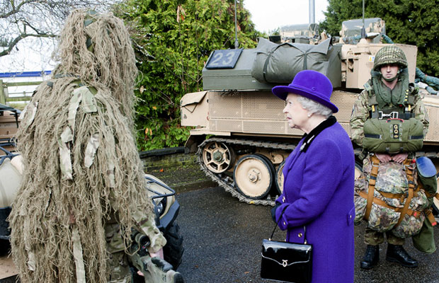 Queen Elizabeth makes a new friend