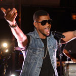 Usher singing Pumped Up Kicks in the BBC Radio 1 Live Lounge